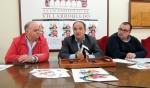 Acto de presentación con el presidente de la Asoc.Prov. de Hosterlería y Turismo de Albacete, el alcalde Valentín Bueno y el concejal de cultura Bernardo Ortega.